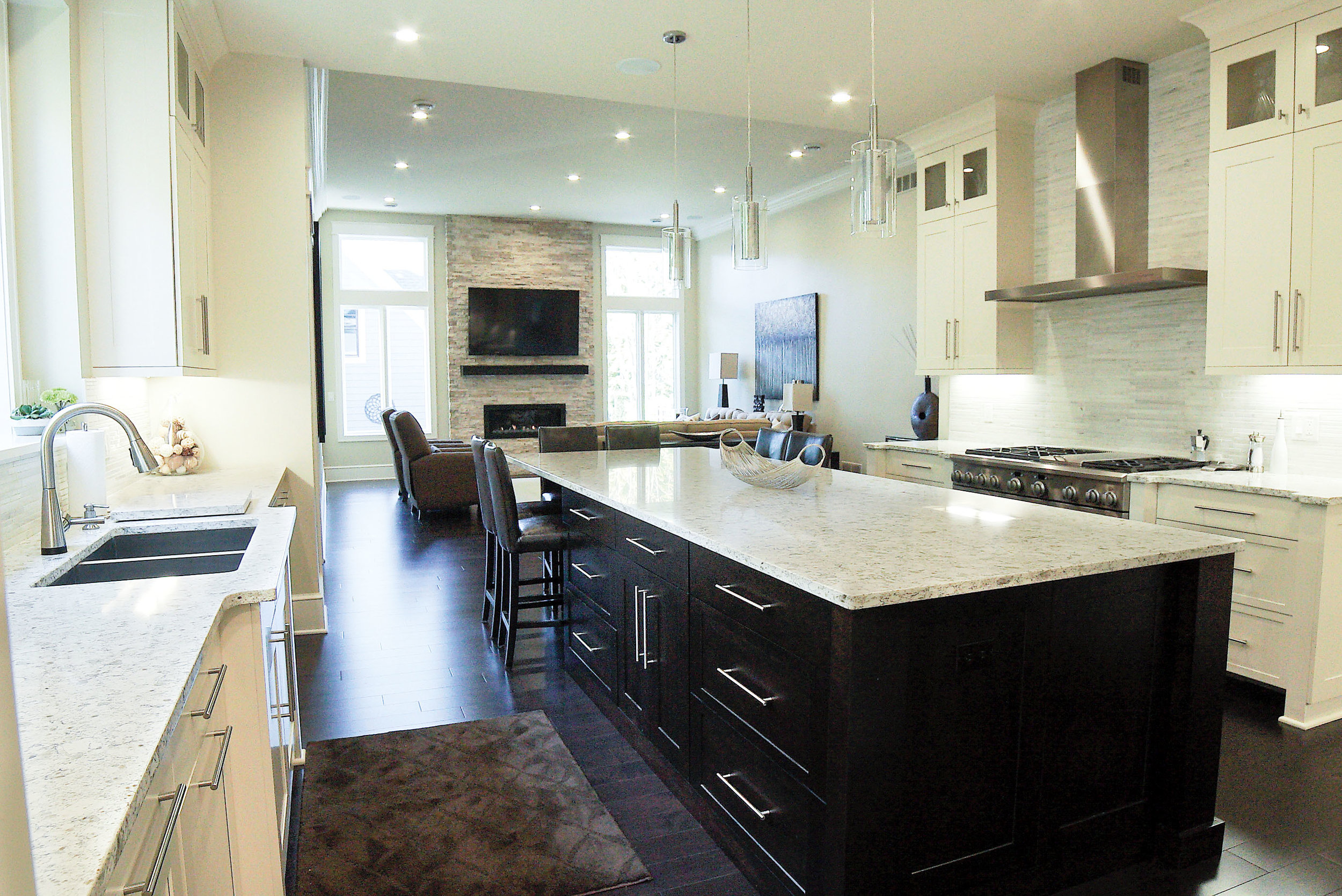 Kitchen_Island_Full_DSC05578.jpg