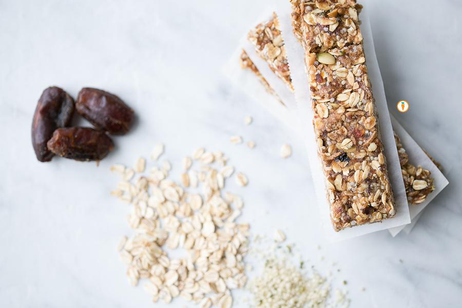 No-Bake-Granola-Bar_Ing-and-close-up.jpg
