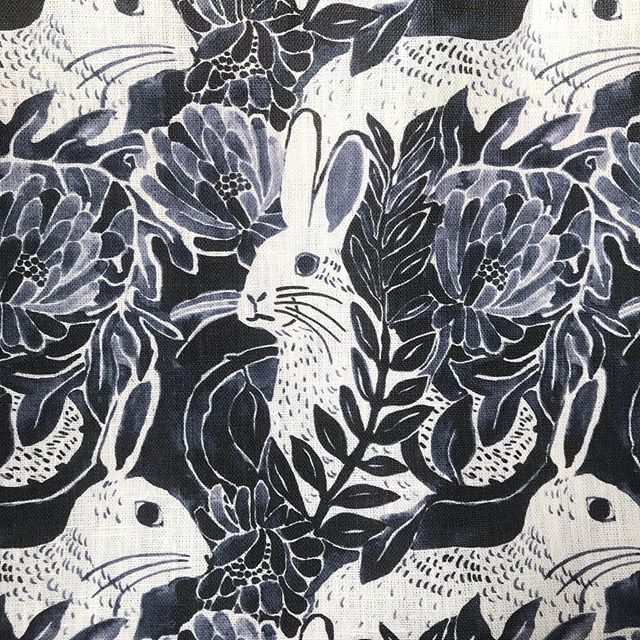 My custom linen dreams are coming true! Thinking of making this 'backyard bunny' print into pillows 🐇 will also be available as a scarf and silk bandana @lettiebriggs