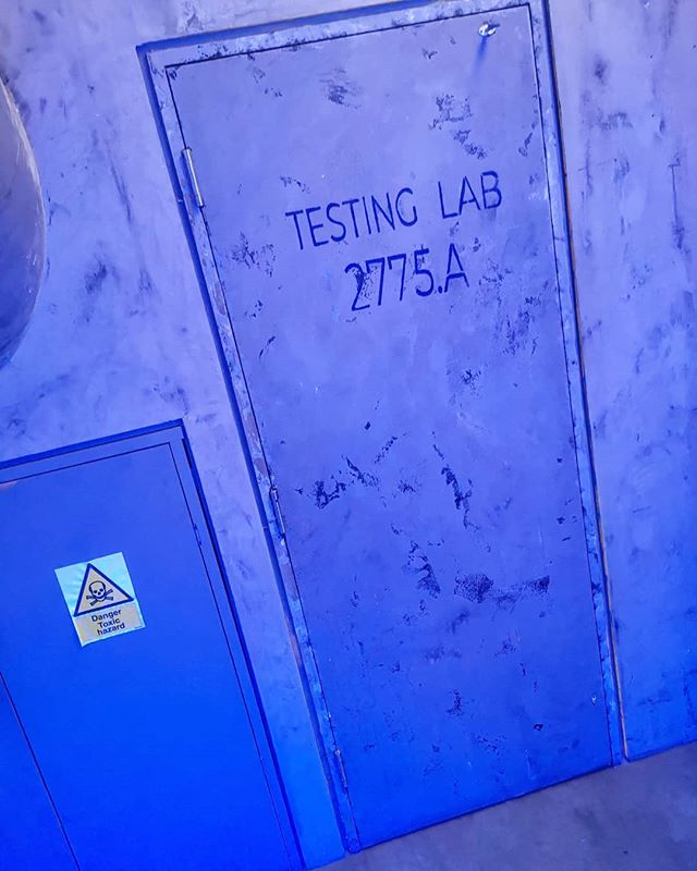 Testing Lab 2775.A. . Neosight HQ. . Mission - infiltrate without raising suspicion. Destroy all AI software. . #thegridldn #thegrid #neosight #AI #artificialintelligence #escaperoom #thingstodoinlondon #discoverlondon #londonmemories #timeoutlondon #visitlondon #teambonding #cocktails #cocktailexperience #fun #group #undercover #mission #datenight #newexperiences #testtubes #antidote #medicine #team #london #thingstodoinlondon #immersiveexperience