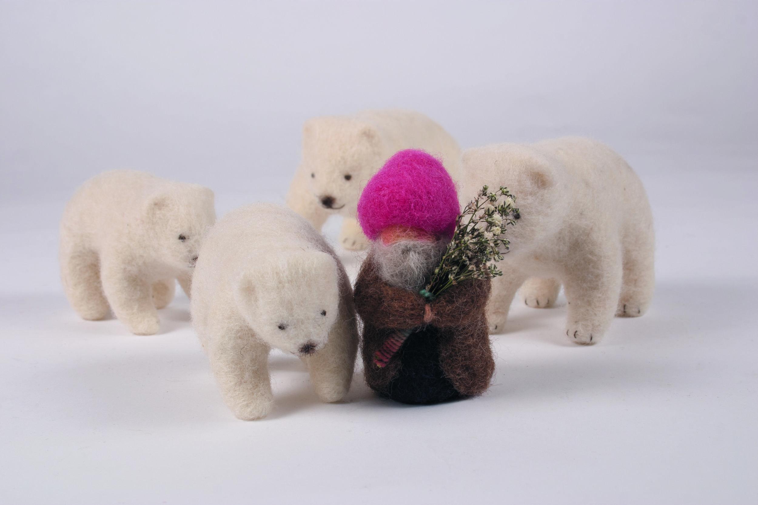 gnome_and_polar_bears.jpg