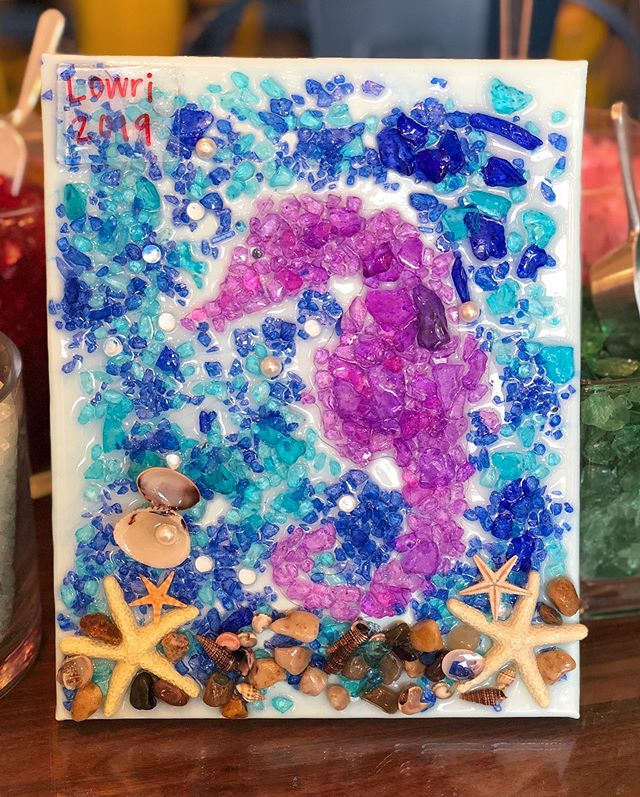 More kids artwork made at a birthday party! This starfish is giving us serious vacation vibes 🐚🌊☀️🐬 Who has a fun trip coming up? Tell us where below! 🌎