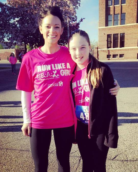 jess and her niece after running a 5k together