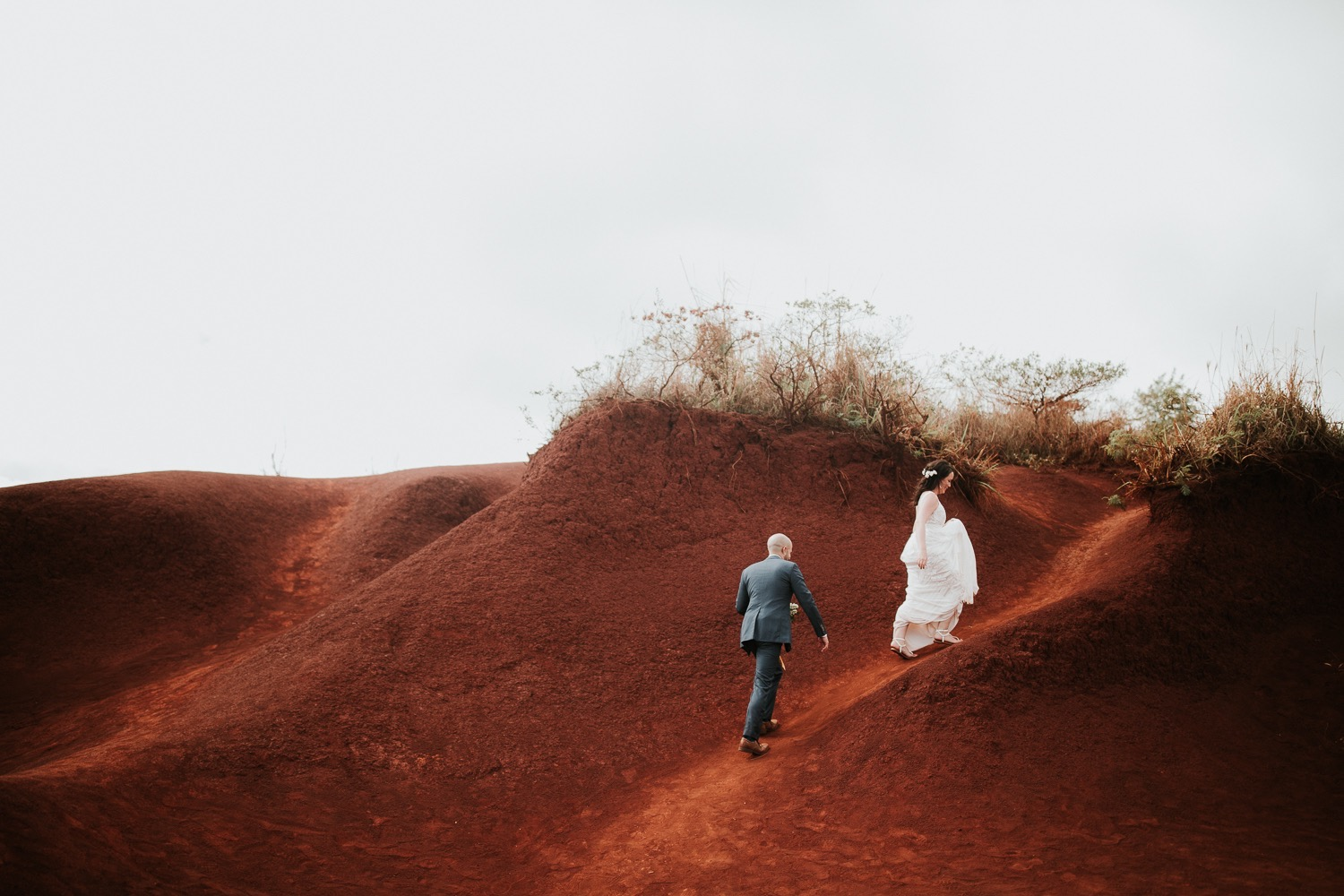 31_47_married_falls_waimea_canyon_reddirt_hawaii_destinationwedding.jpg