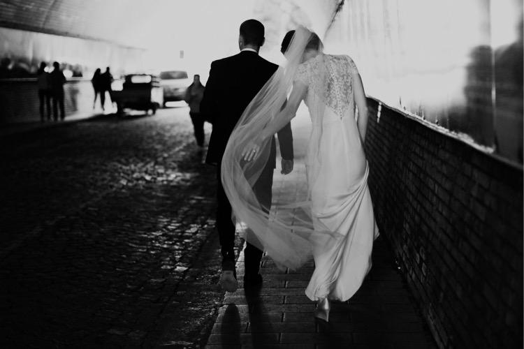 32_best_positano_wedding_photographer_almafi-1-49_positano_destinationwedding_scooter_getawaycar_ravello_italy_wedding.jpg