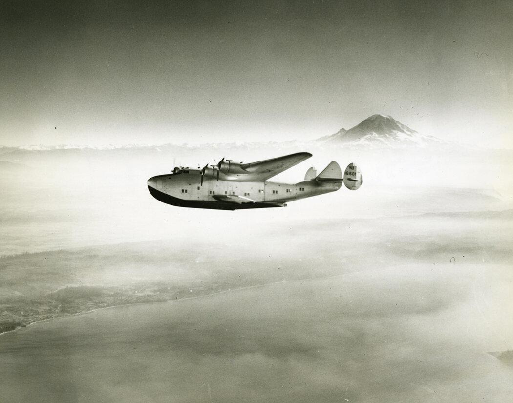 027Unknown_Boeing 314 Clipper and Mt. Rainier.jpg