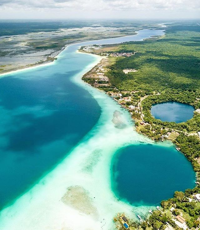 Beautiful birds eye view of #Bacalar by @desfenetressurlemonde... 🏞🙏🏼🏞