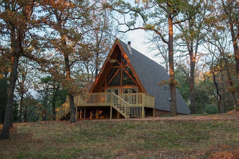 Murray's Cabin in The Ozarks