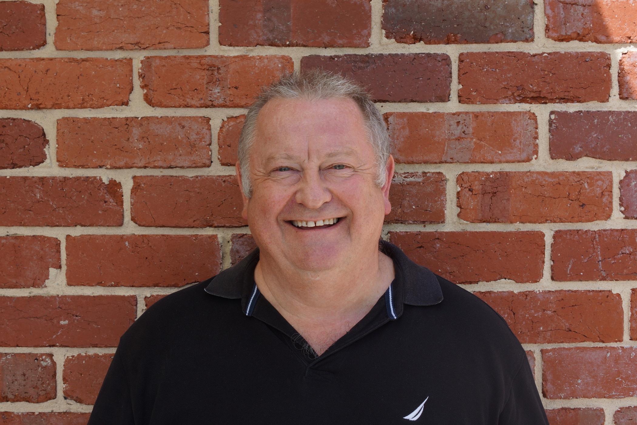 Senior Pastor Milton Oliver