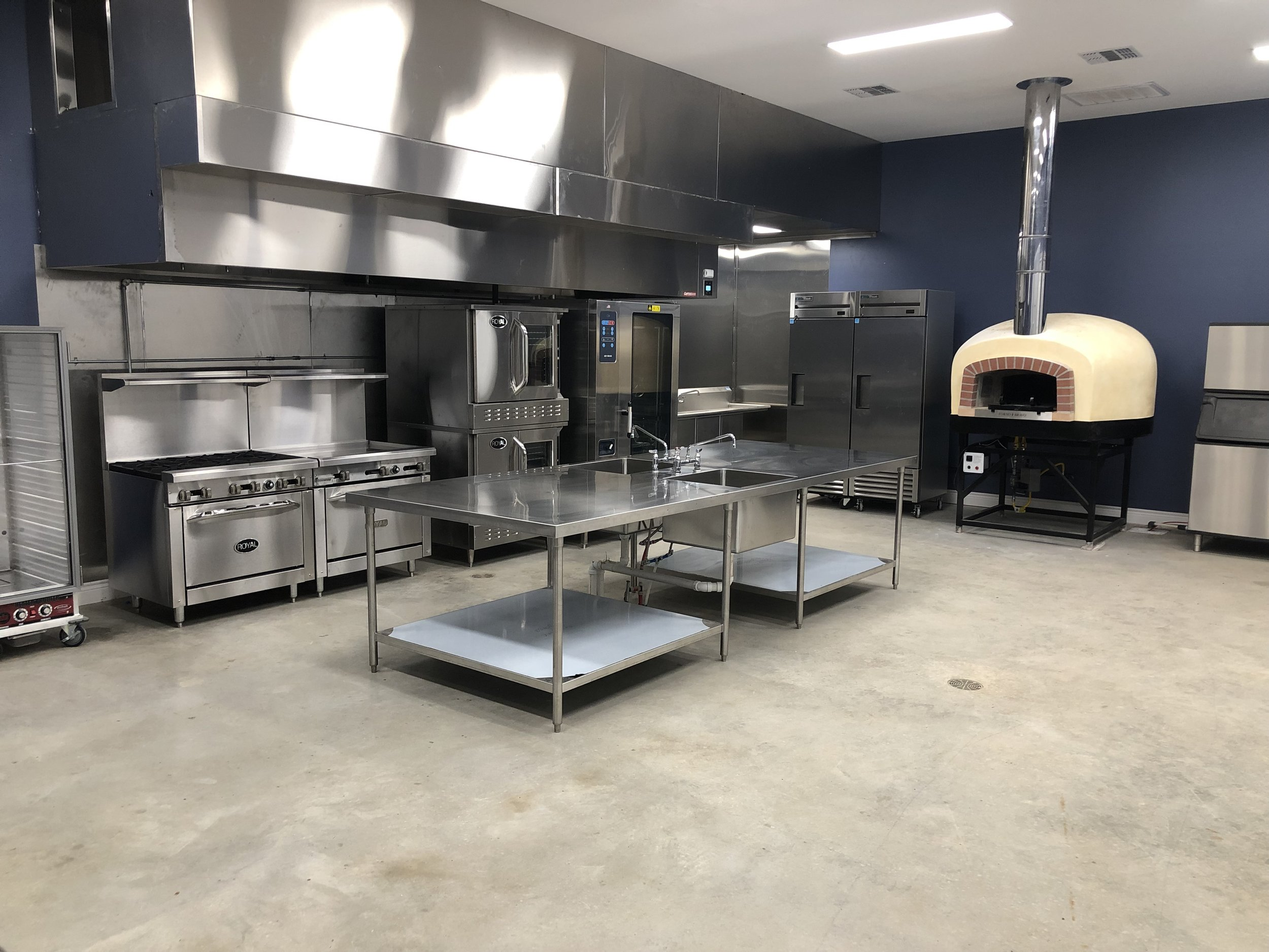 FarmResort Commercial Kitchen w:Pizza Oven.jpg