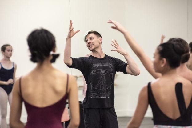 Robert Dekkers  coaching BBT's Studio Company dancers, photo by Natalia Perez