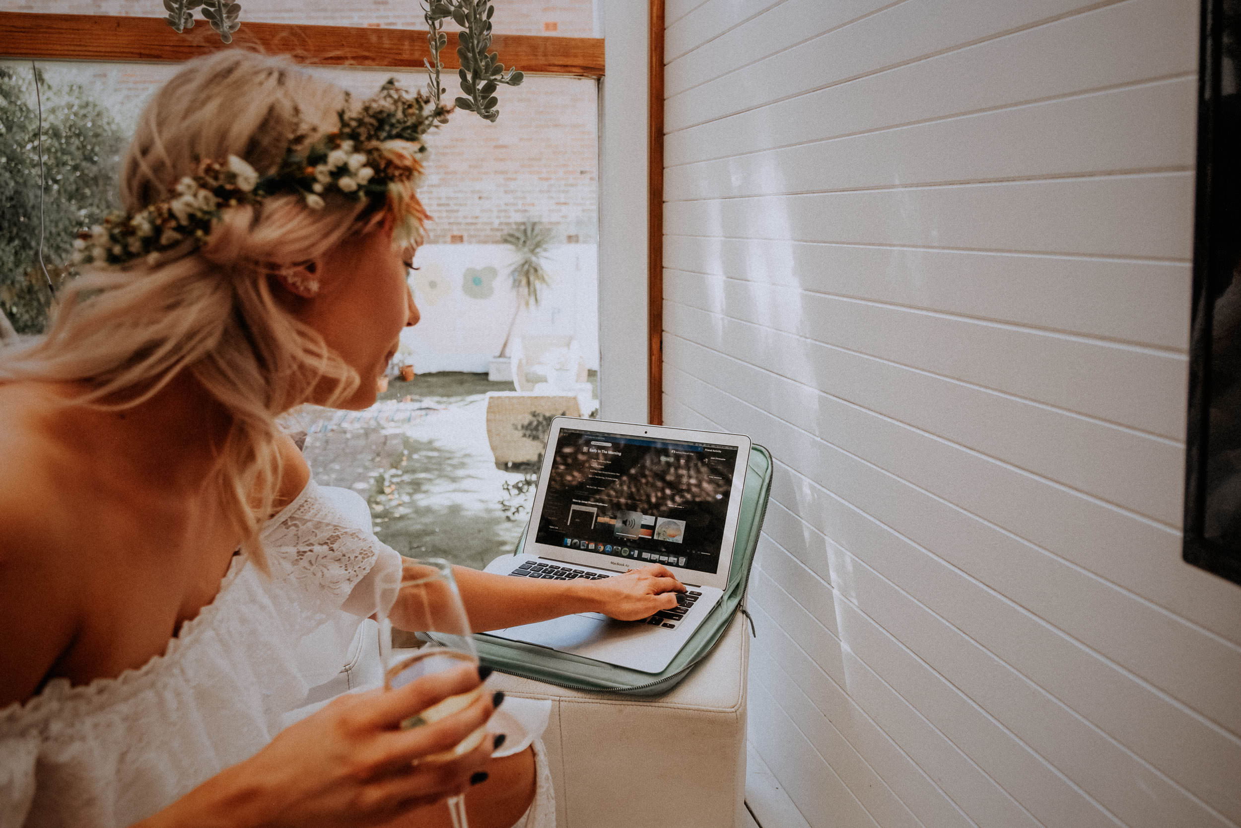 kings _ thieves - beth _ corey backyard airbnb elopement sydney - submission -223.jpg
