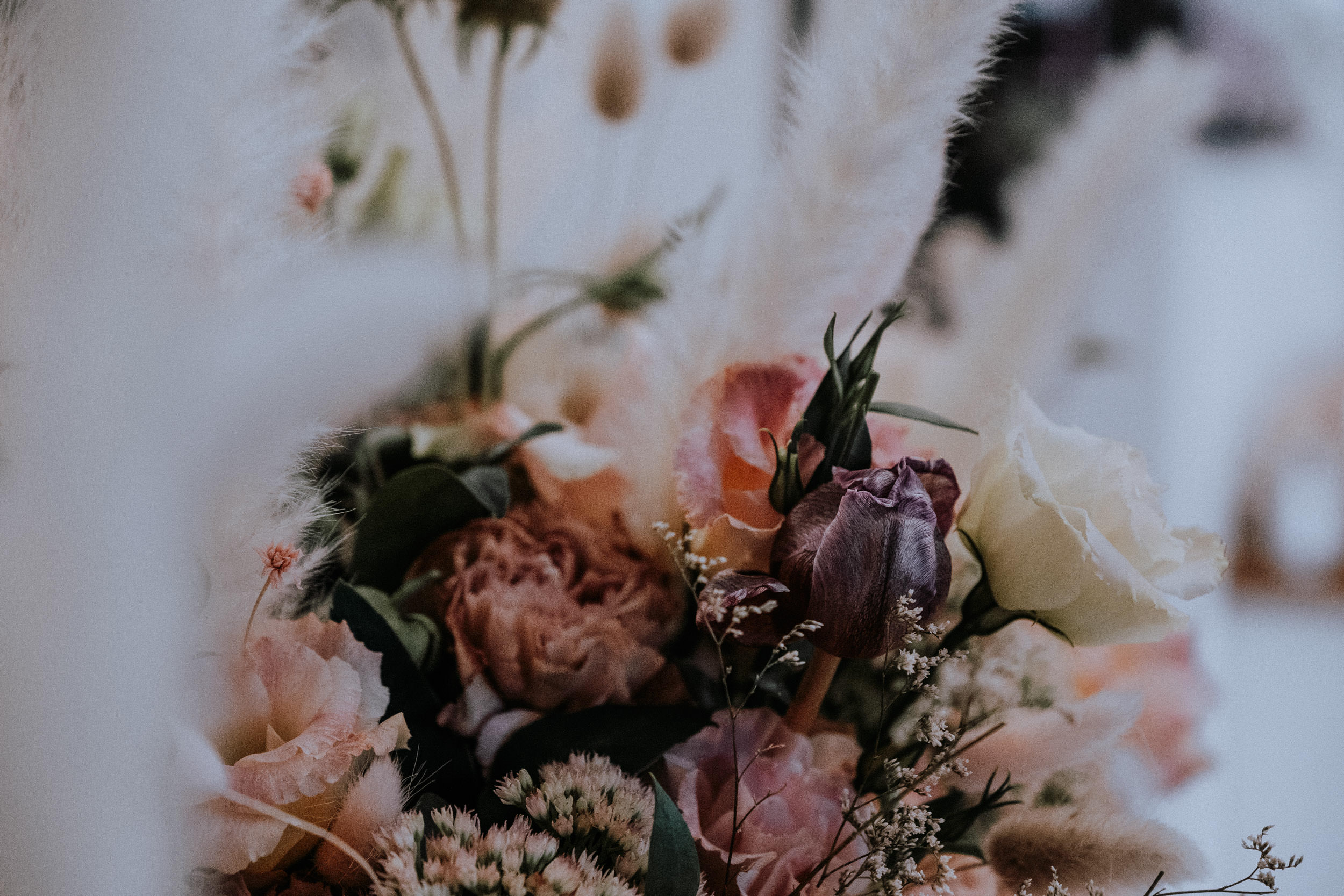 Florals at a wedding in the Blue Mountains by The Golden Dandelion