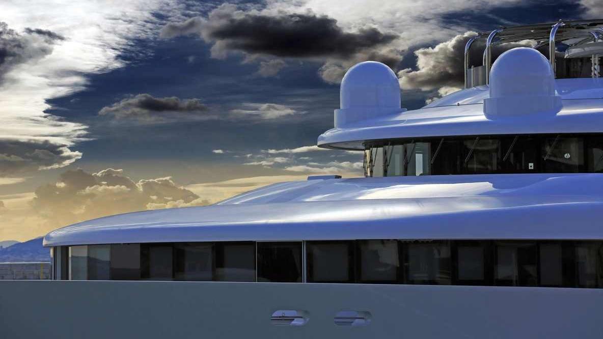 I am a superyacht - Lawyer