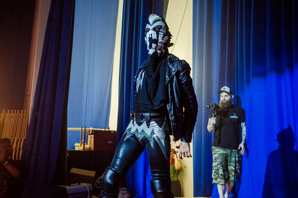 Kid Lykos enters the ring at International Waters (photo: The Head Drop)