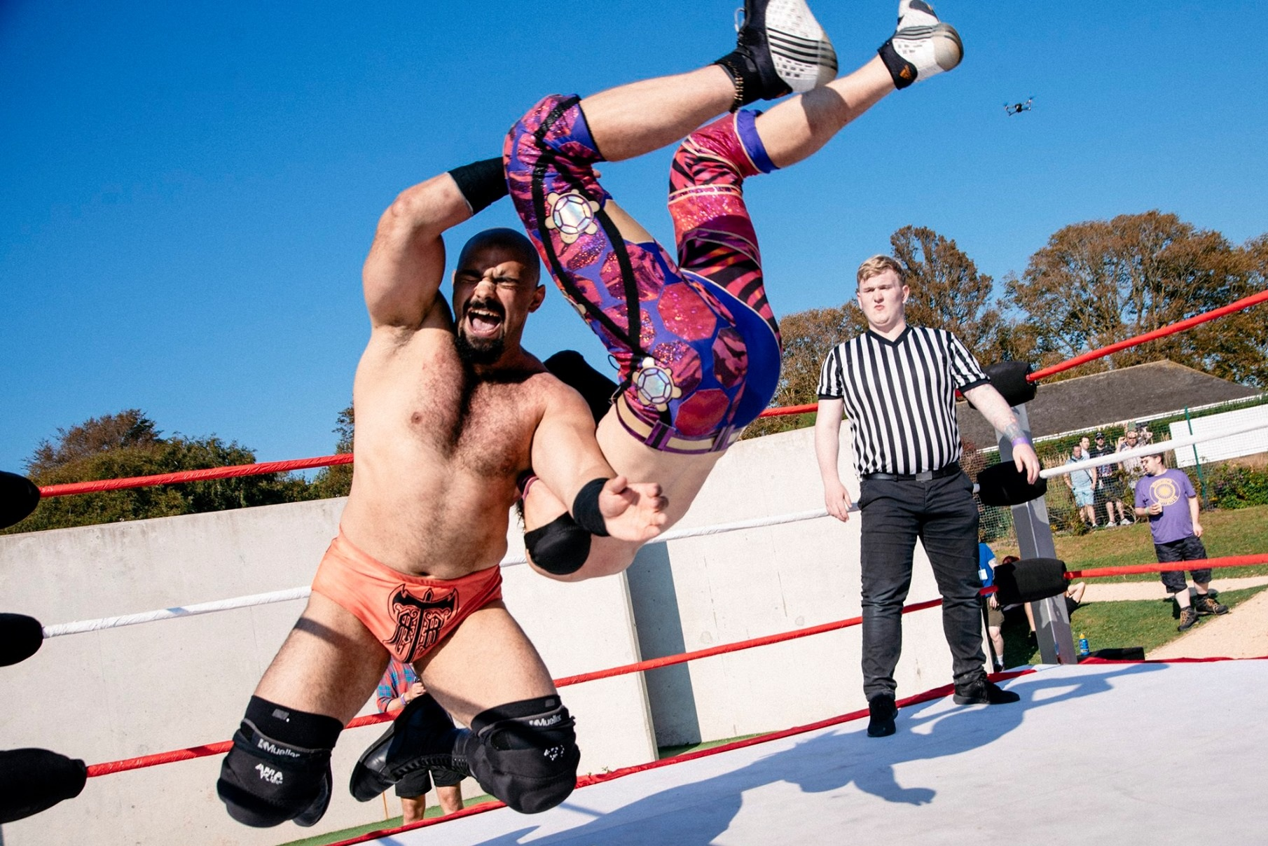 Rampage attempts to dethrone Brighton Champion Chuck Mambo (photo: The Head Drop)