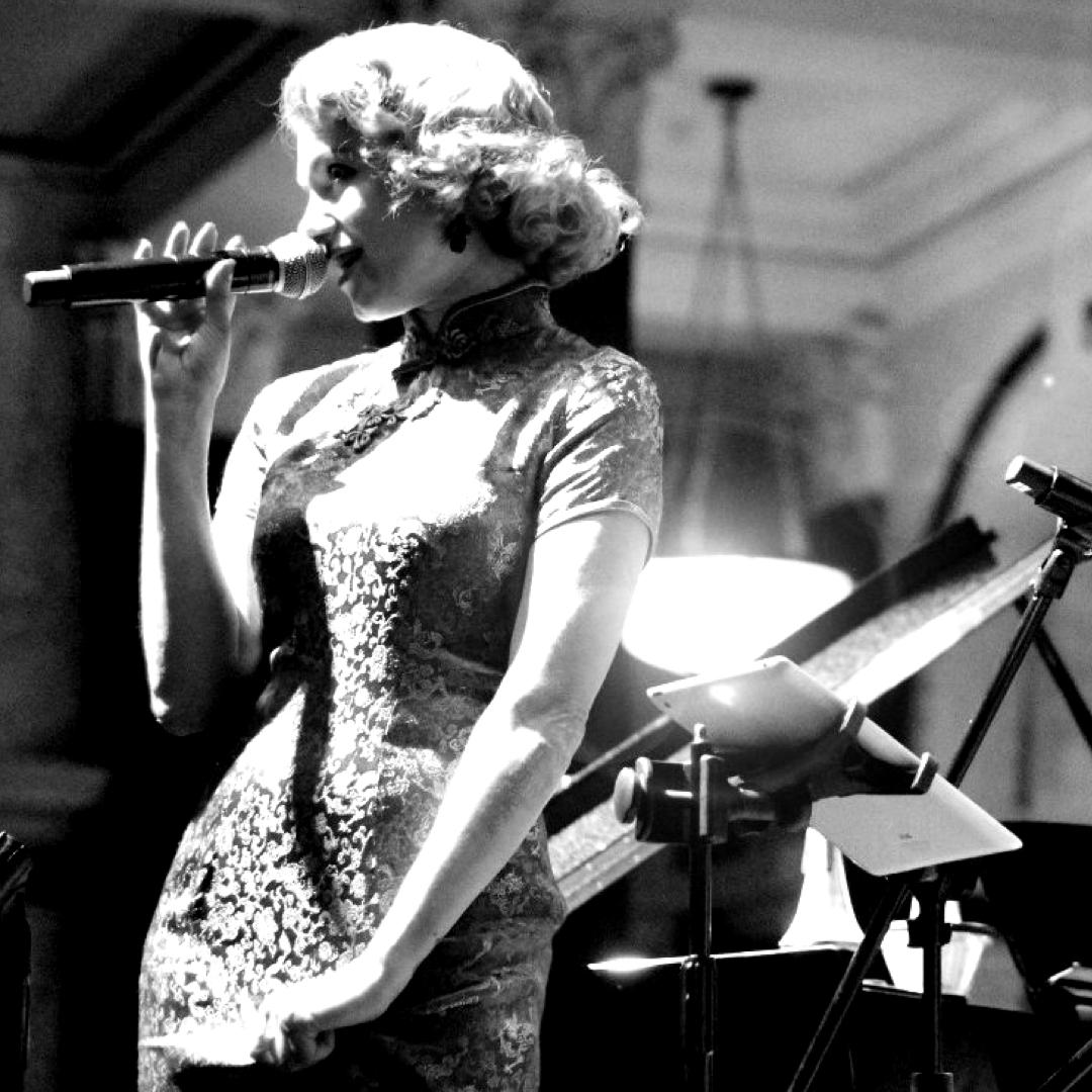 """Louise Messenger sings """"Ella at Zardi's"""""""