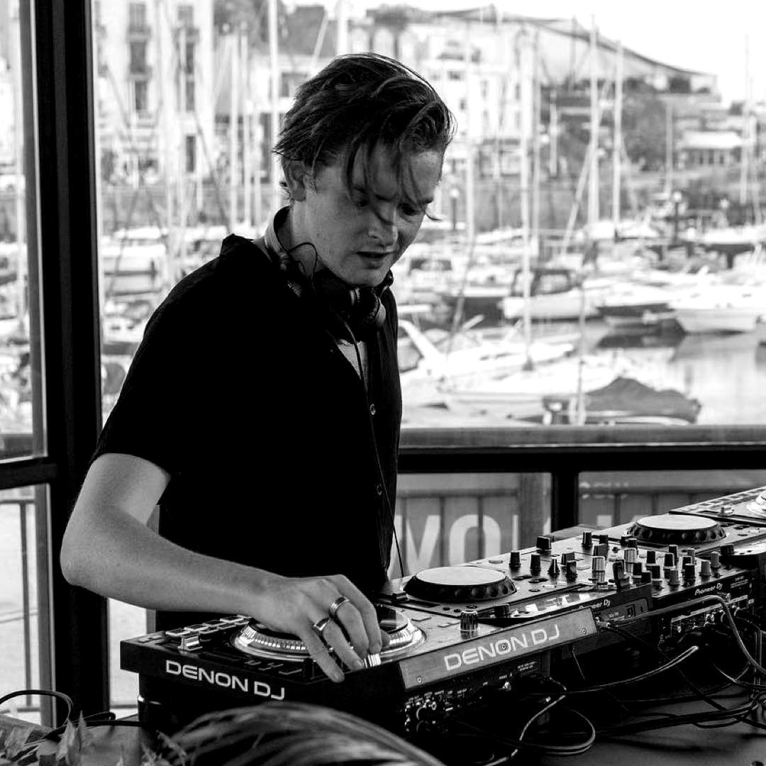 Ziggys Bar: DJ Brando Walker x Tashomi Balfour