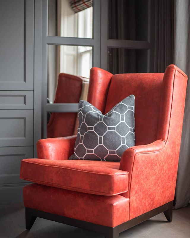 Bursts of bold, bright colours can really transform and complete a space and this armchair is the perfect example.  #interiordesigner #interiorarchitecture #classiccontemporary #contemporaryinteriors #furnituredesign #home #interior123 #homedecorinspo #instahome #luxuryinteriors #leeaustindesign #bedroomdesign #wardrobe #bespokewardrobes #mirror #armchair #interior #belfast