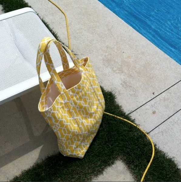 Yellow Loop Chain Tote.png