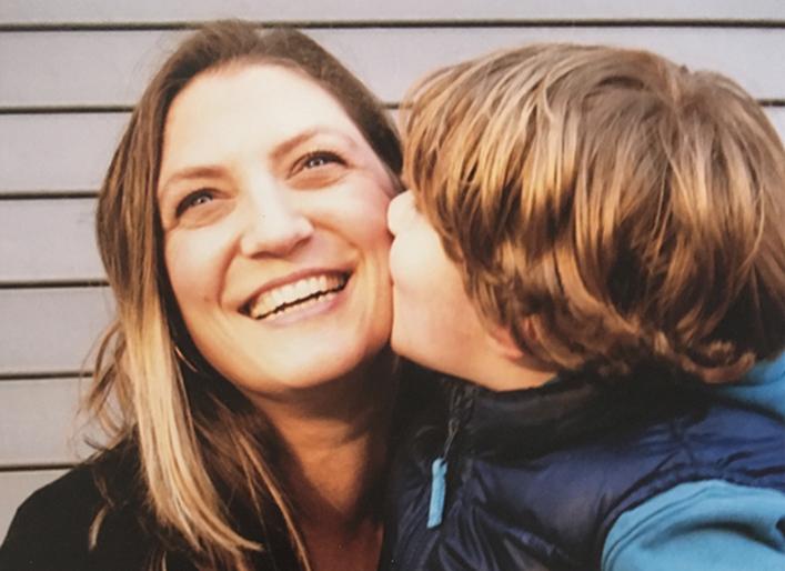 ANA gets a kiss.jpg