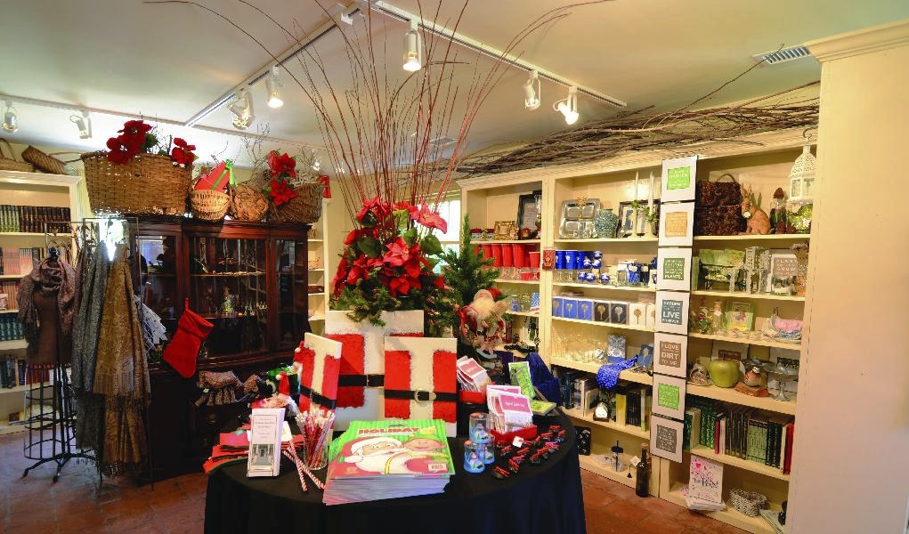 Holidays for store_gift shop1.jpg