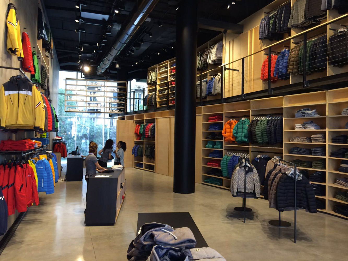 Retail   (Milano)