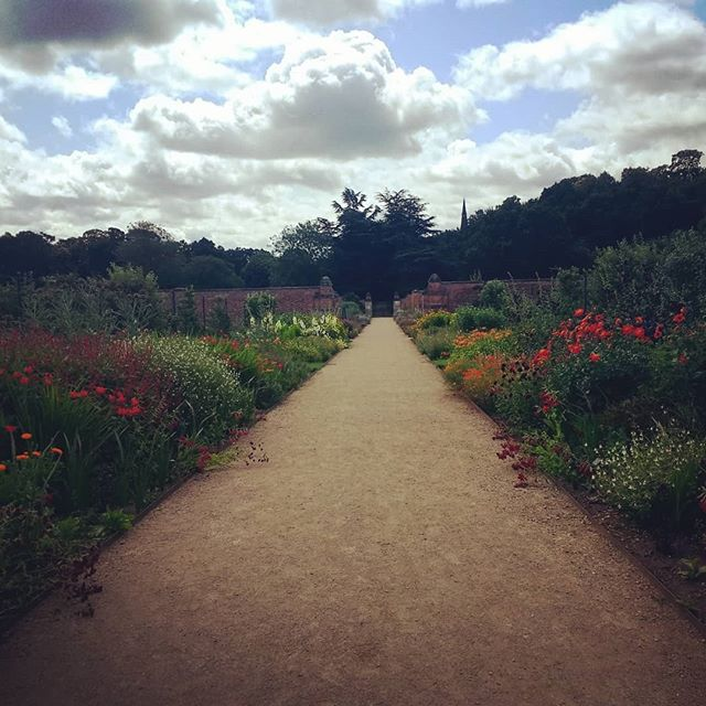 Clumber Park, walled garden borders looking gorgeous  #clumberpark #worksop