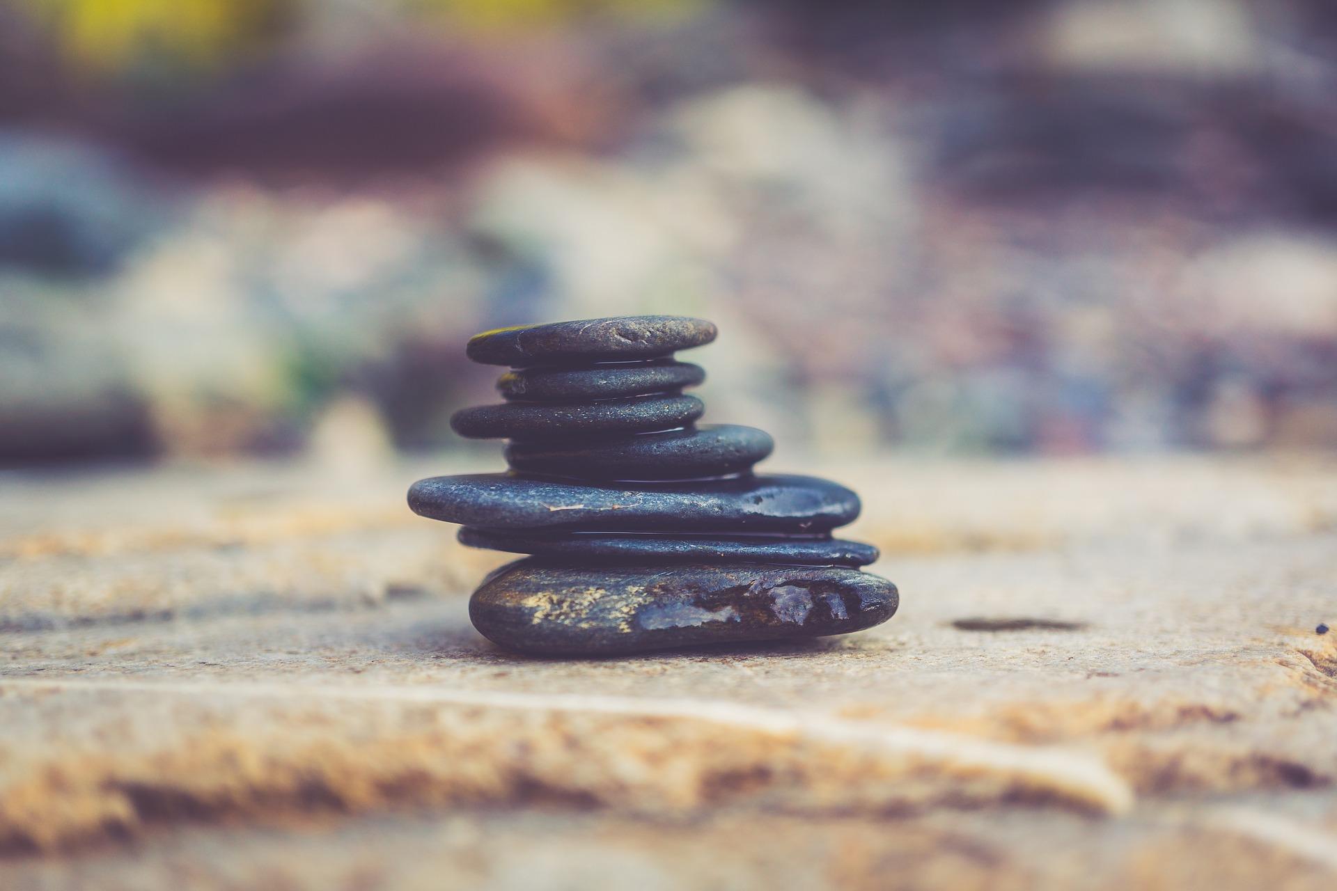 balance-2211334_1920.jpg