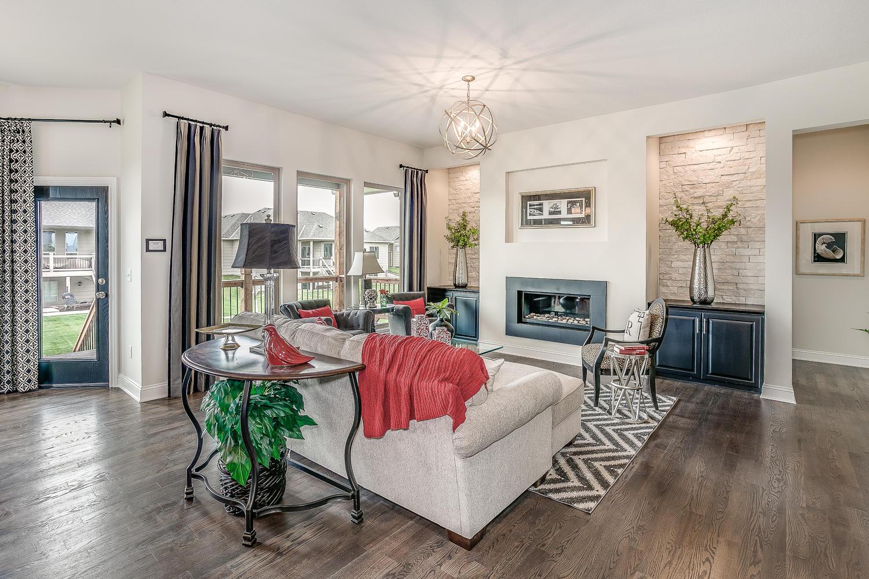 3216 Living Room (2).jpg