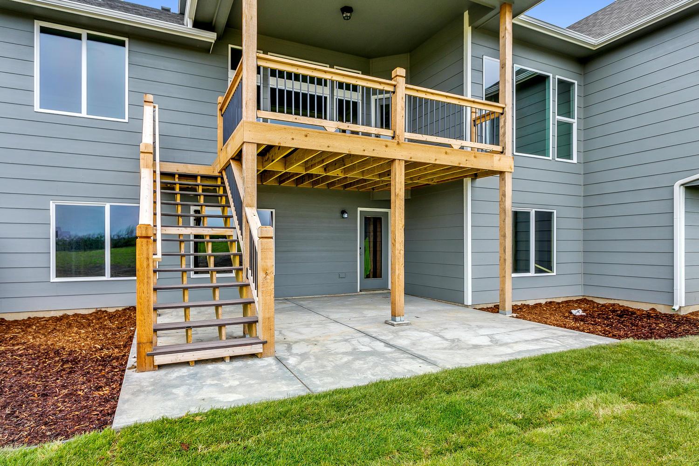 3616 N Crest Ct Wichita KS-large-035-34-Outdoor Living Area-1500x1000-72dpi.jpg