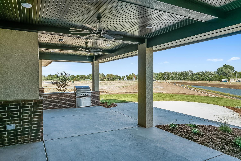 3830 Red Fox Cir Wichita KS-large-037-33-Outdoor Living Area-1500x1000-72dpi.jpg