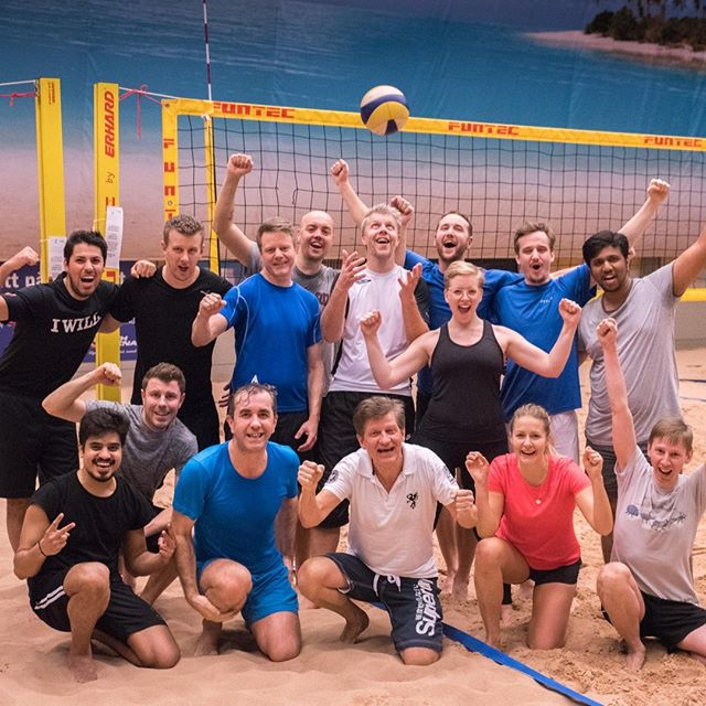 SERVE, DEFENCE, SPIKE! Ateles 💜 playing beach volleyball.  Those who play together, stay together! #atelesconsulting #weareateles