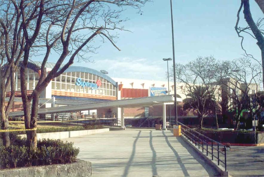 Superama Av Toluca exterior.jpg