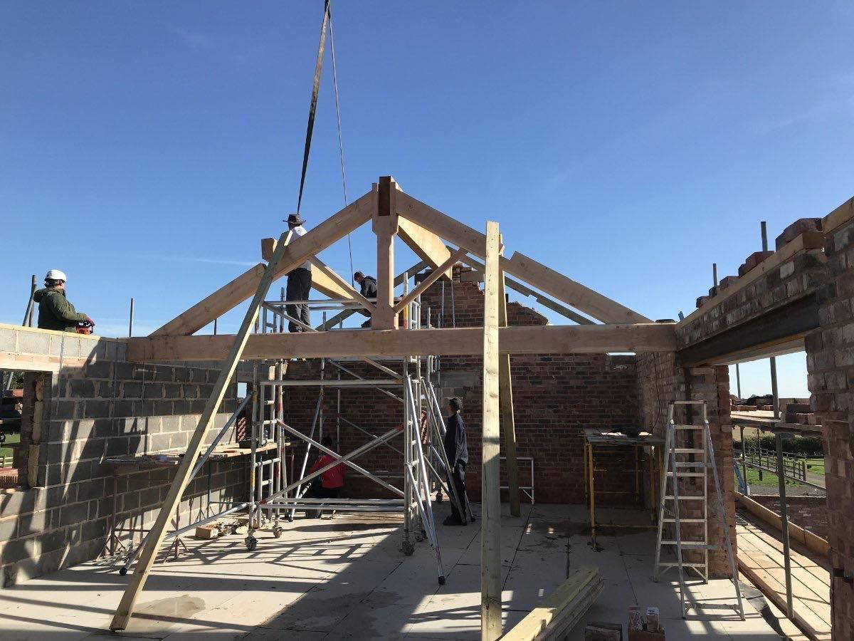 The Old Smithy Conversion - King Post Truss