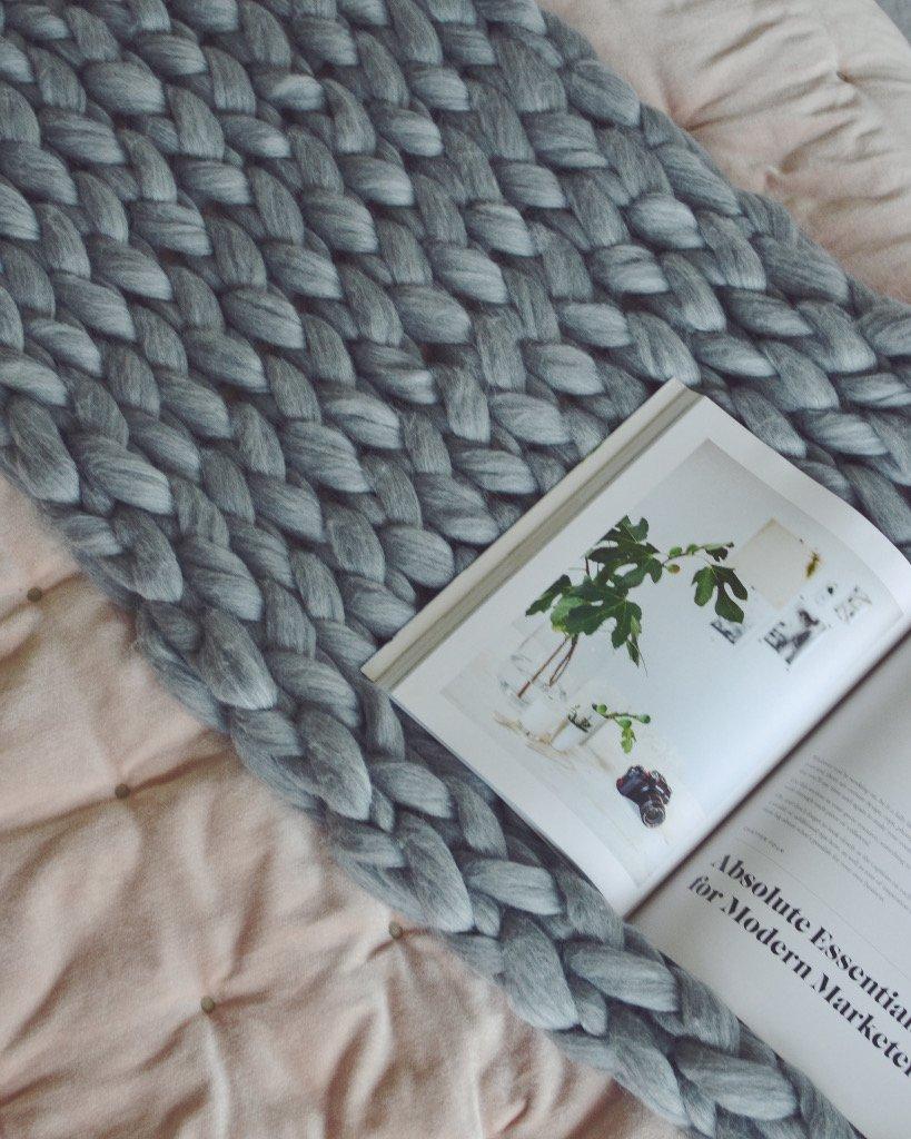 Pomme_Pomme_medium_chunky_knit_blanket_1024x1024.jpg