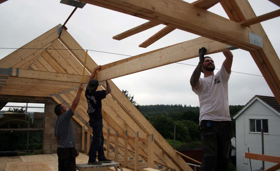 how-to-build-a-house-roof.jpg