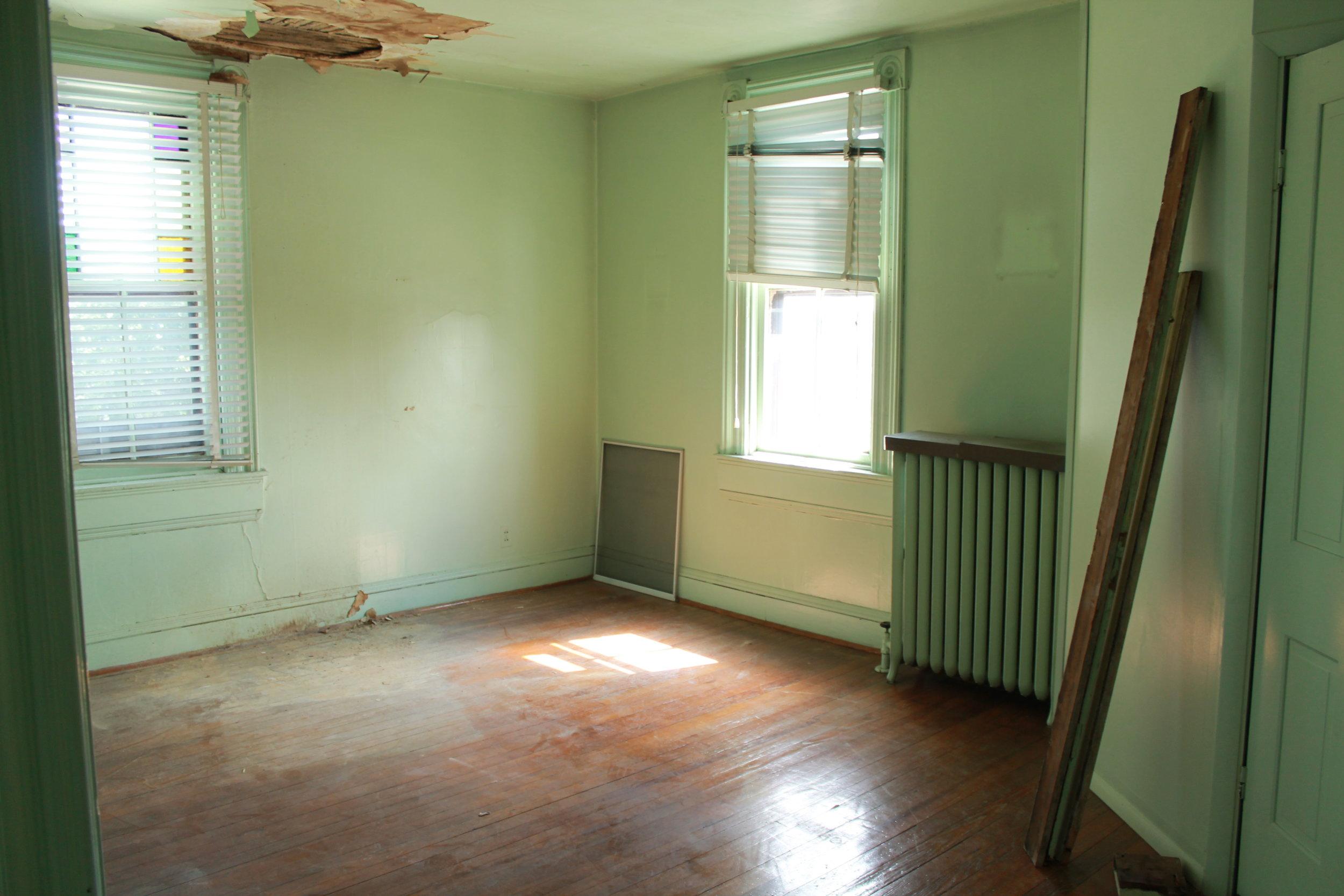 Second Floor (bedroom 1b).JPG