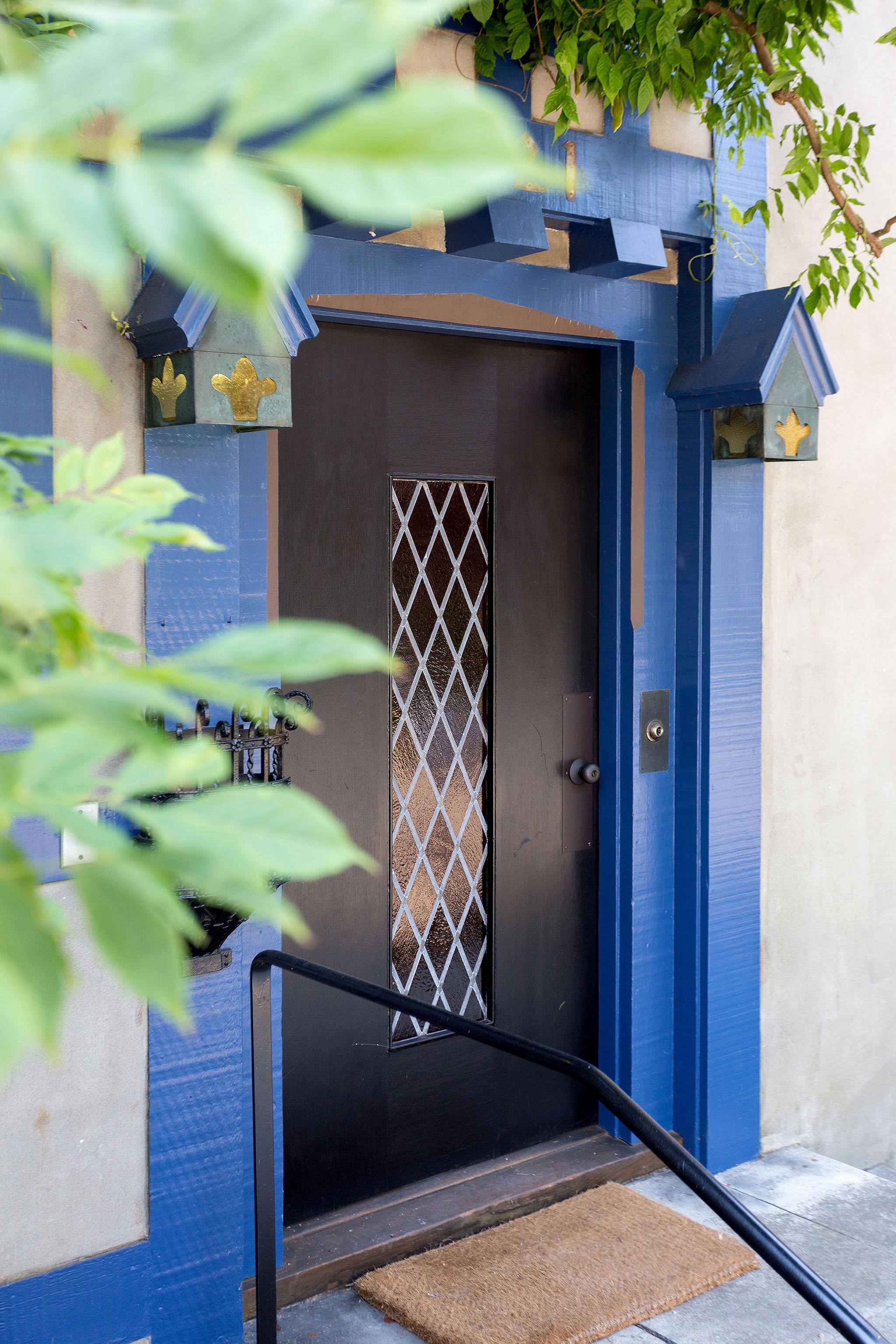 03 Front door2.jpg