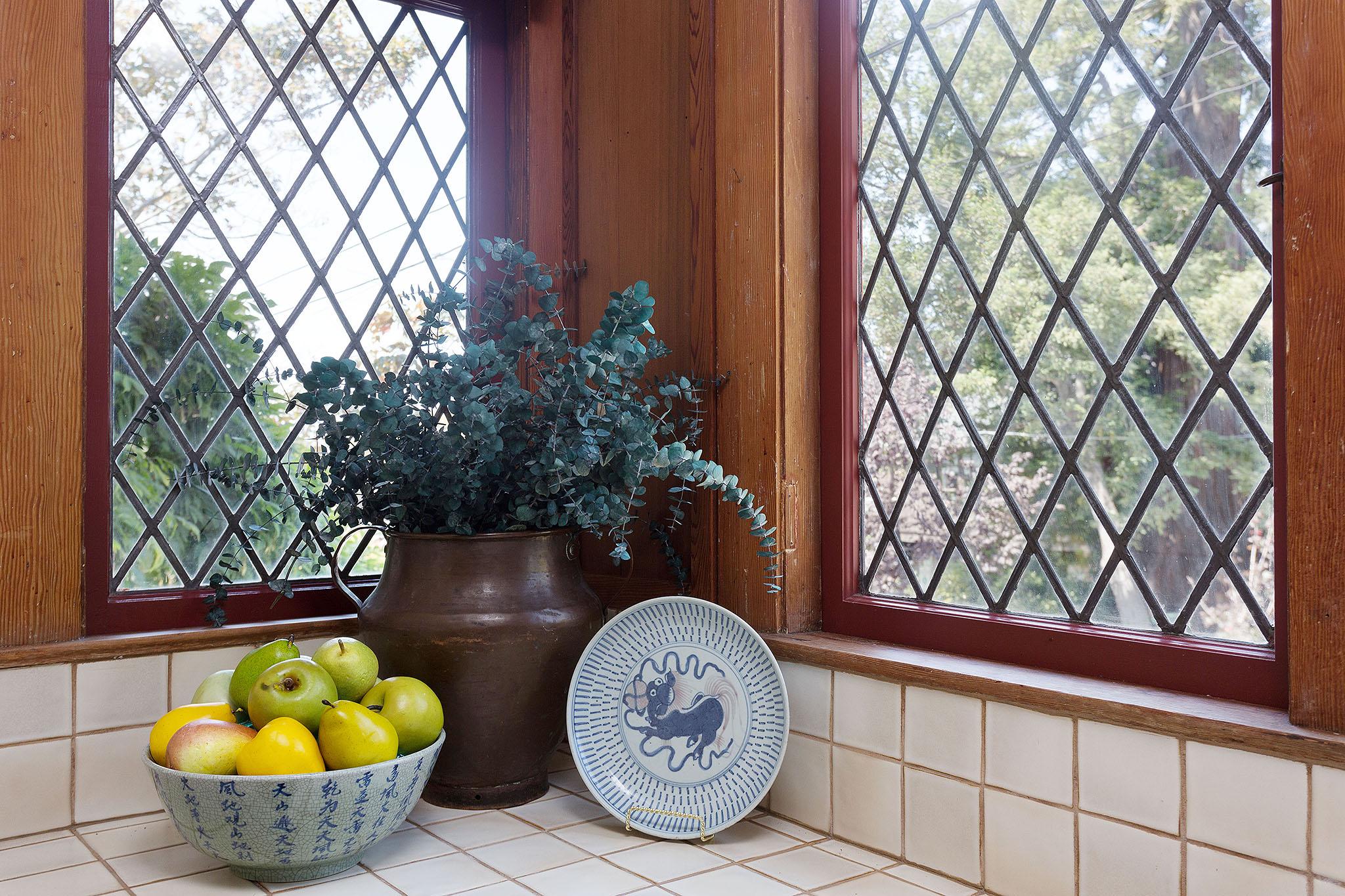 17 Window.jpg