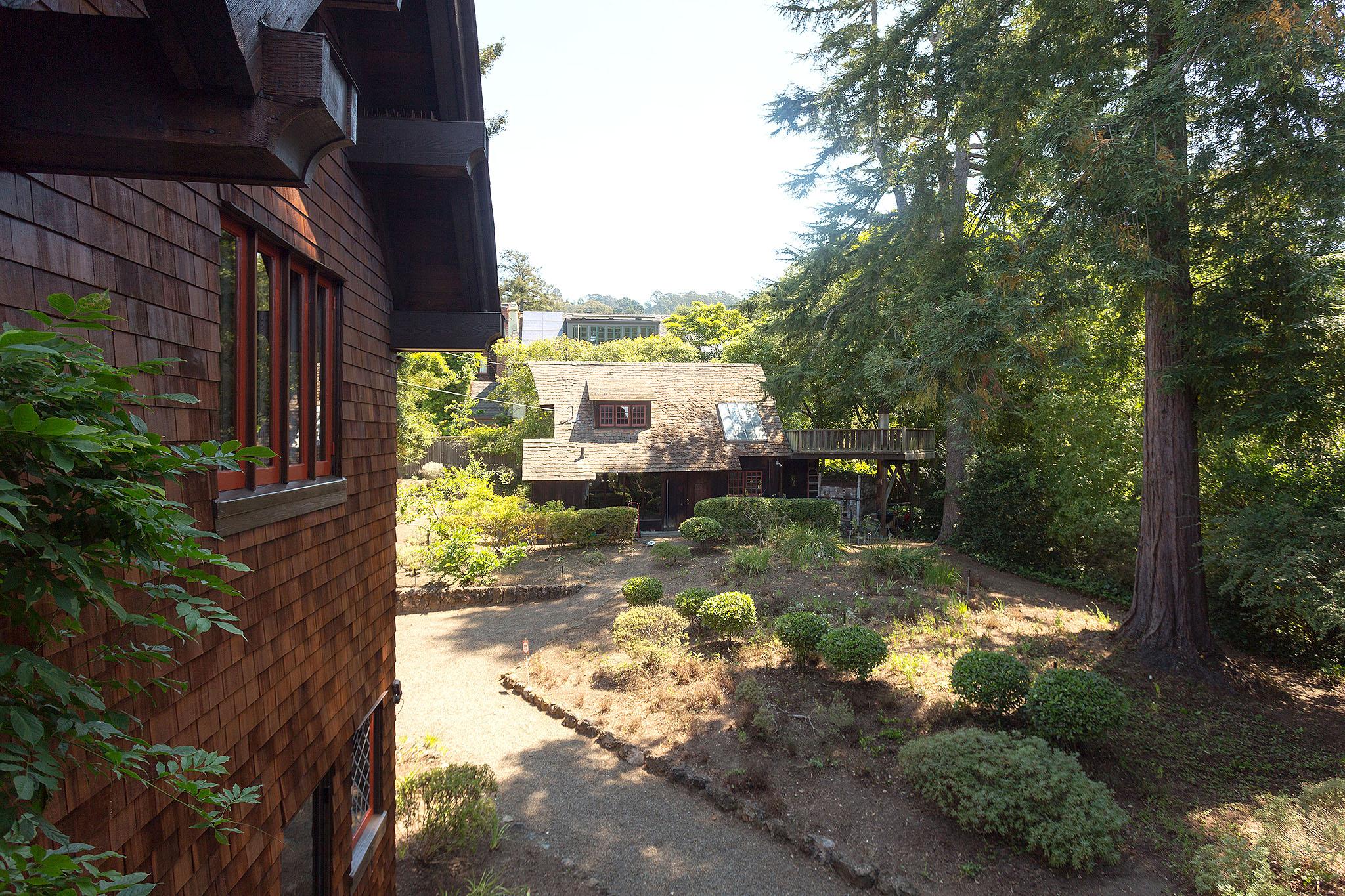 38 Garden.jpg