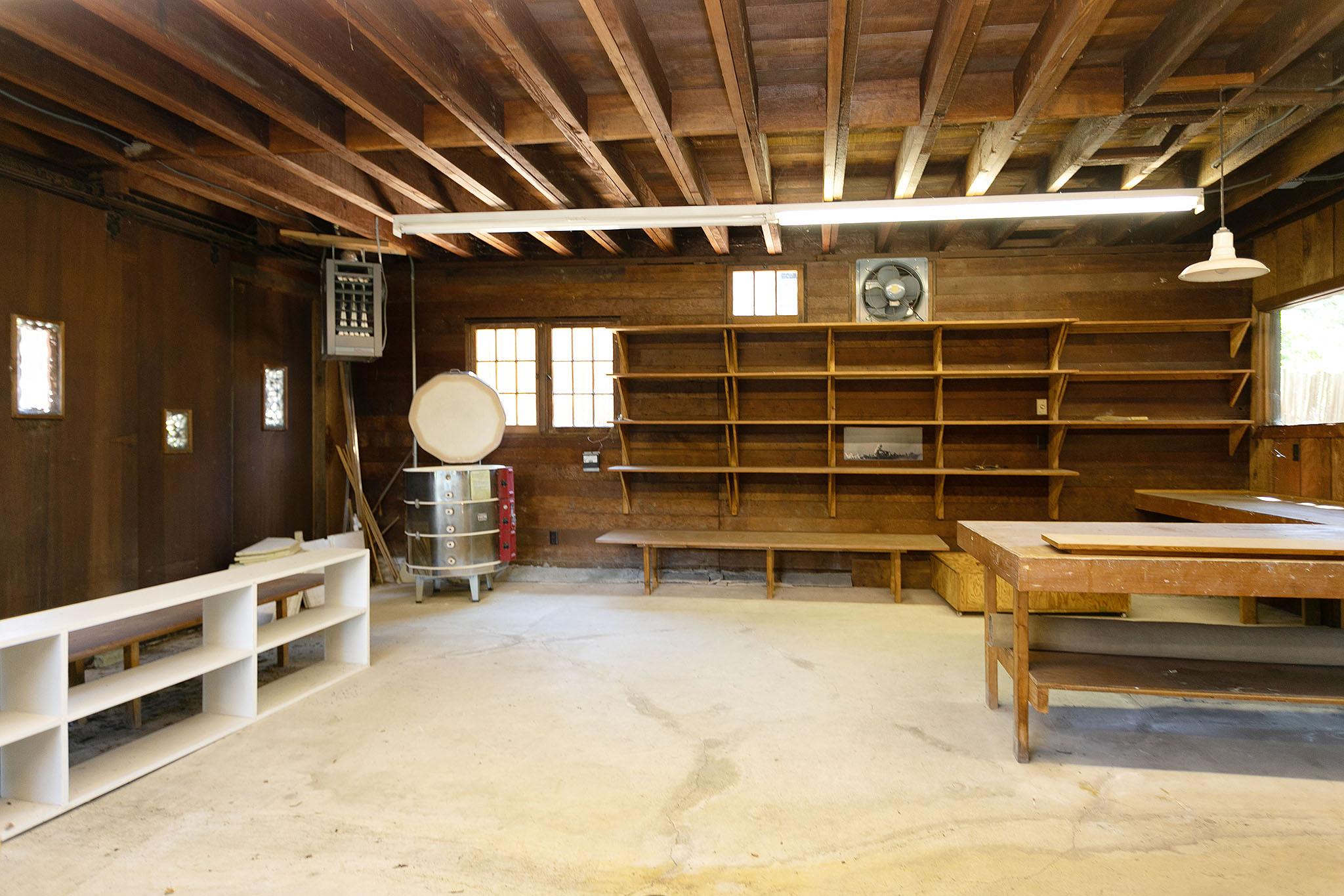 g barn inside2.jpg