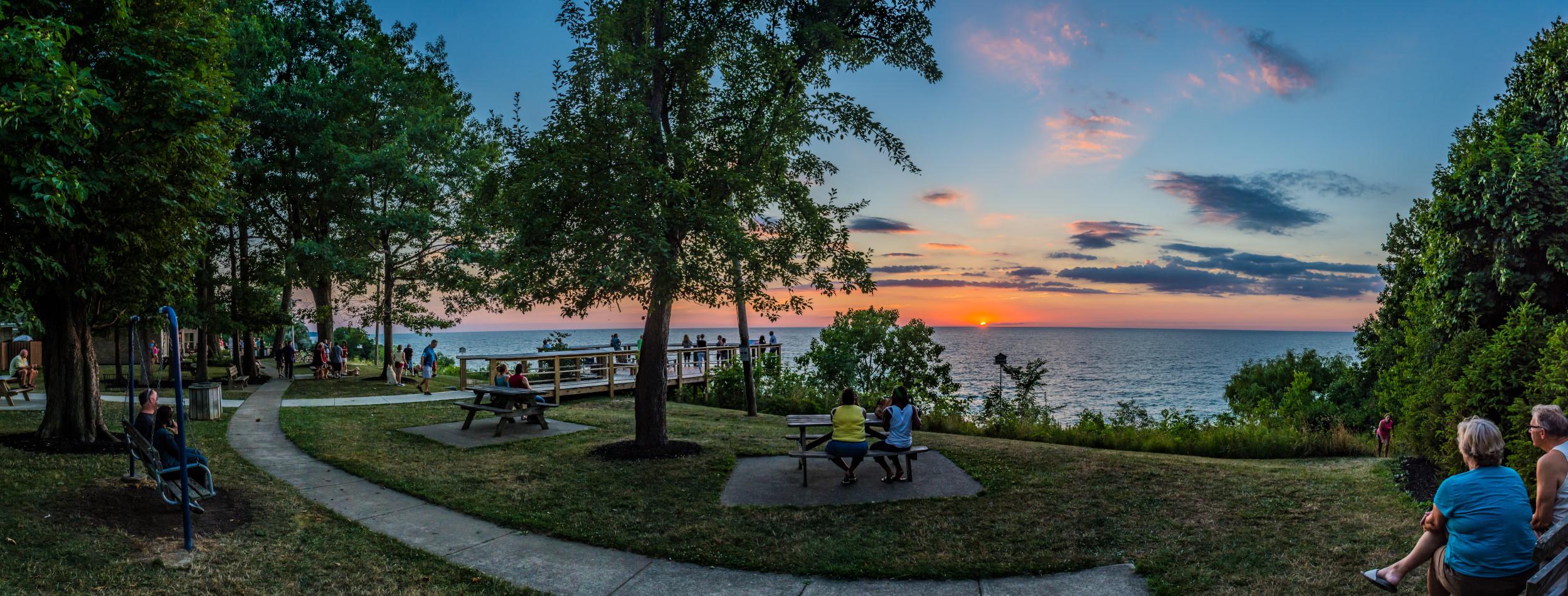Lakefront Lodge at sunset- PC: Jim Marquardt
