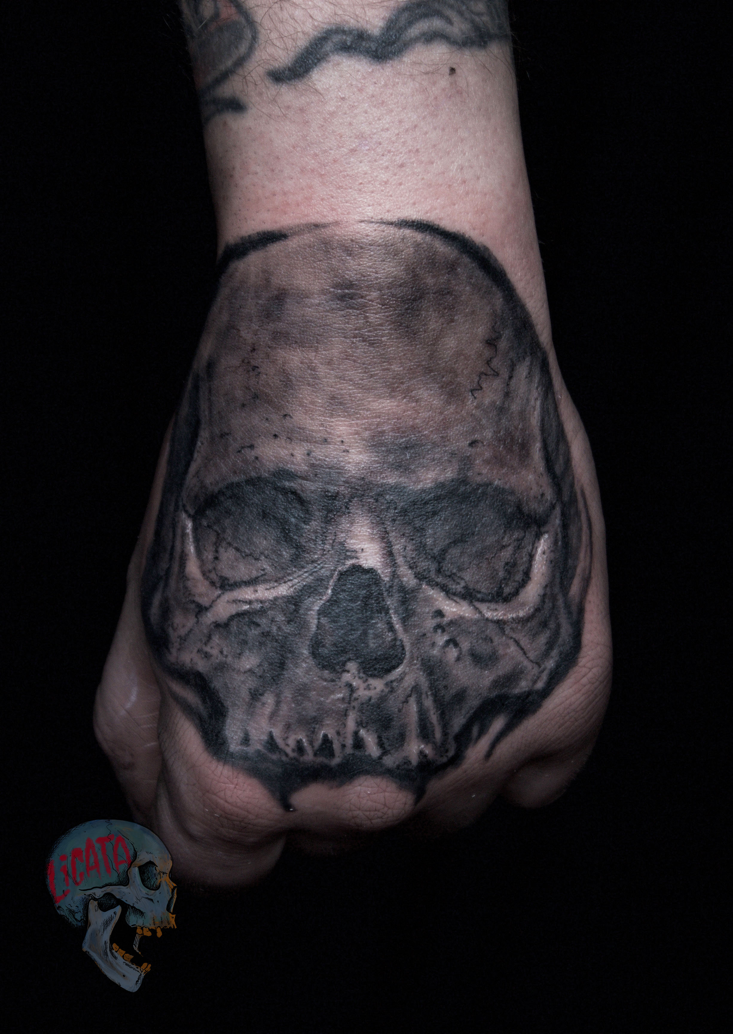 Skull_tattoo_Hand.jpg