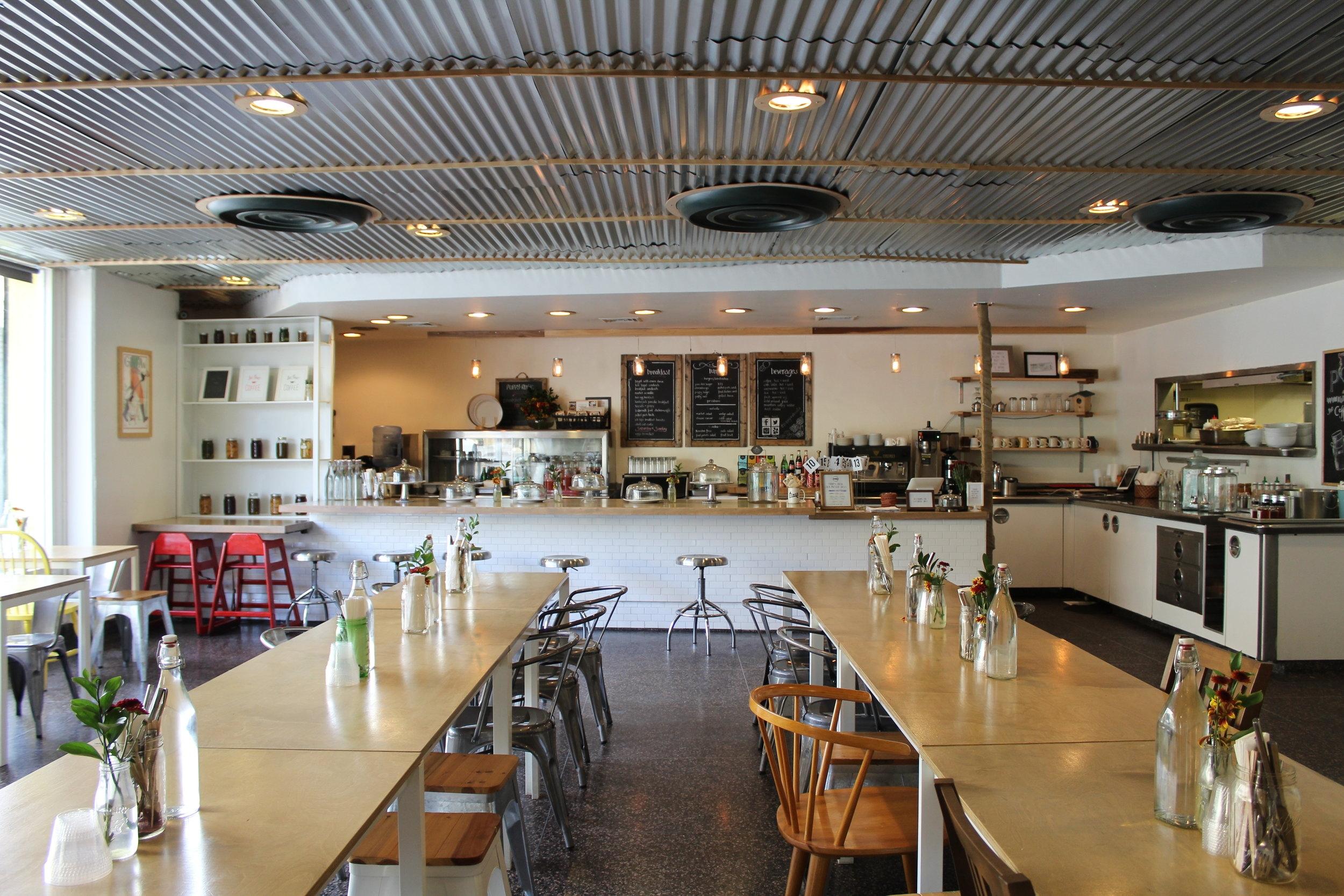 P+R Restaurant Interior
