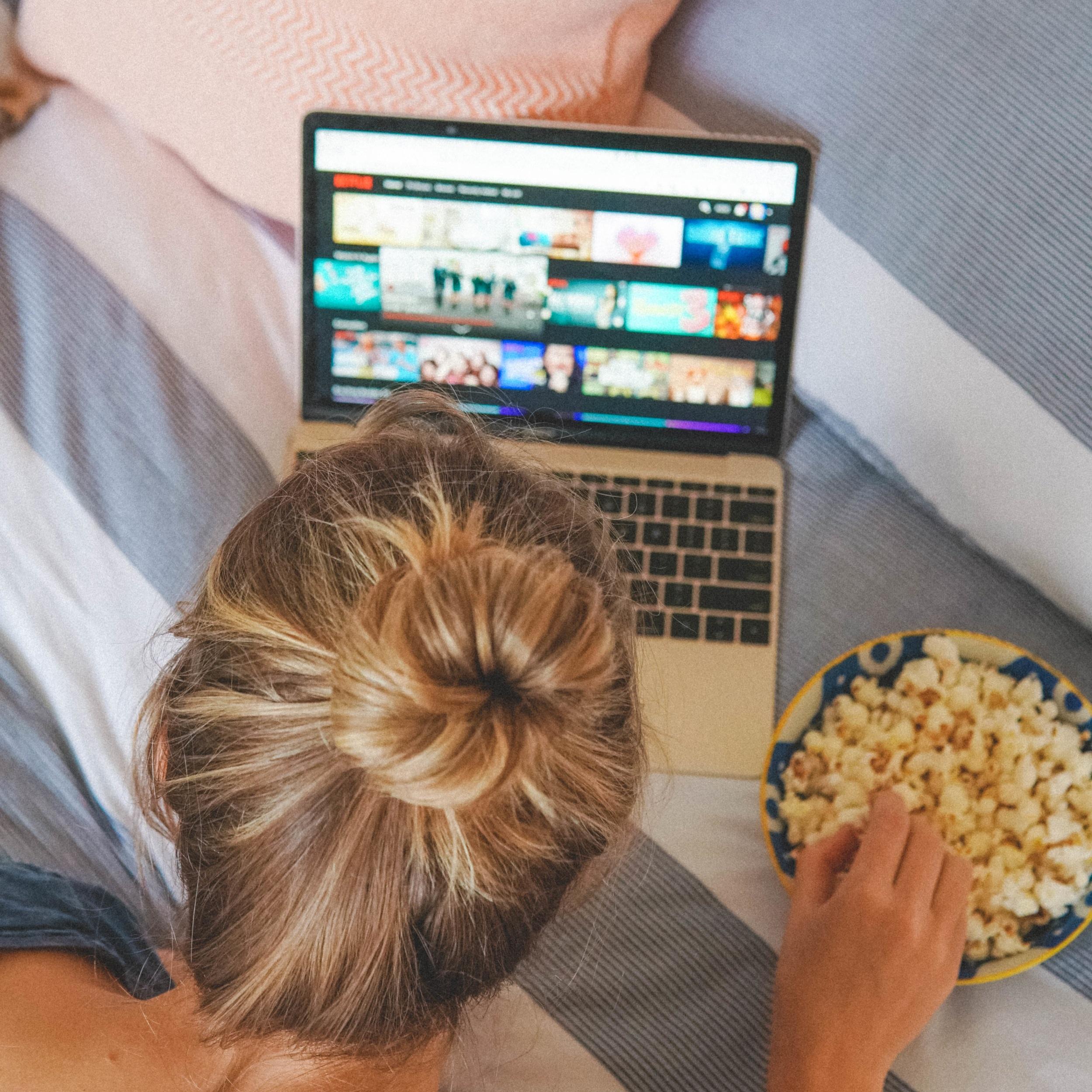 10+Feel+Good+High-Vibe+Netflix+TV+Shows