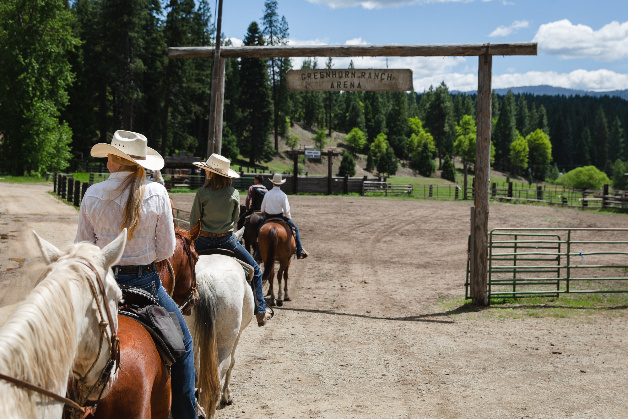 California dude ranch vacation at Greenhorn Ranch offers year round delightful weather