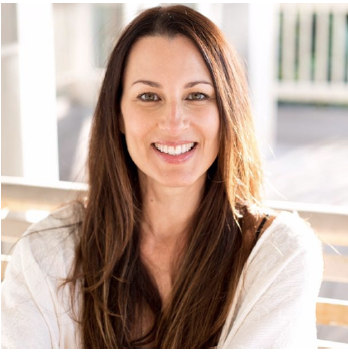 Julie Hefner is a Certified Nutritionist in Newport Beach