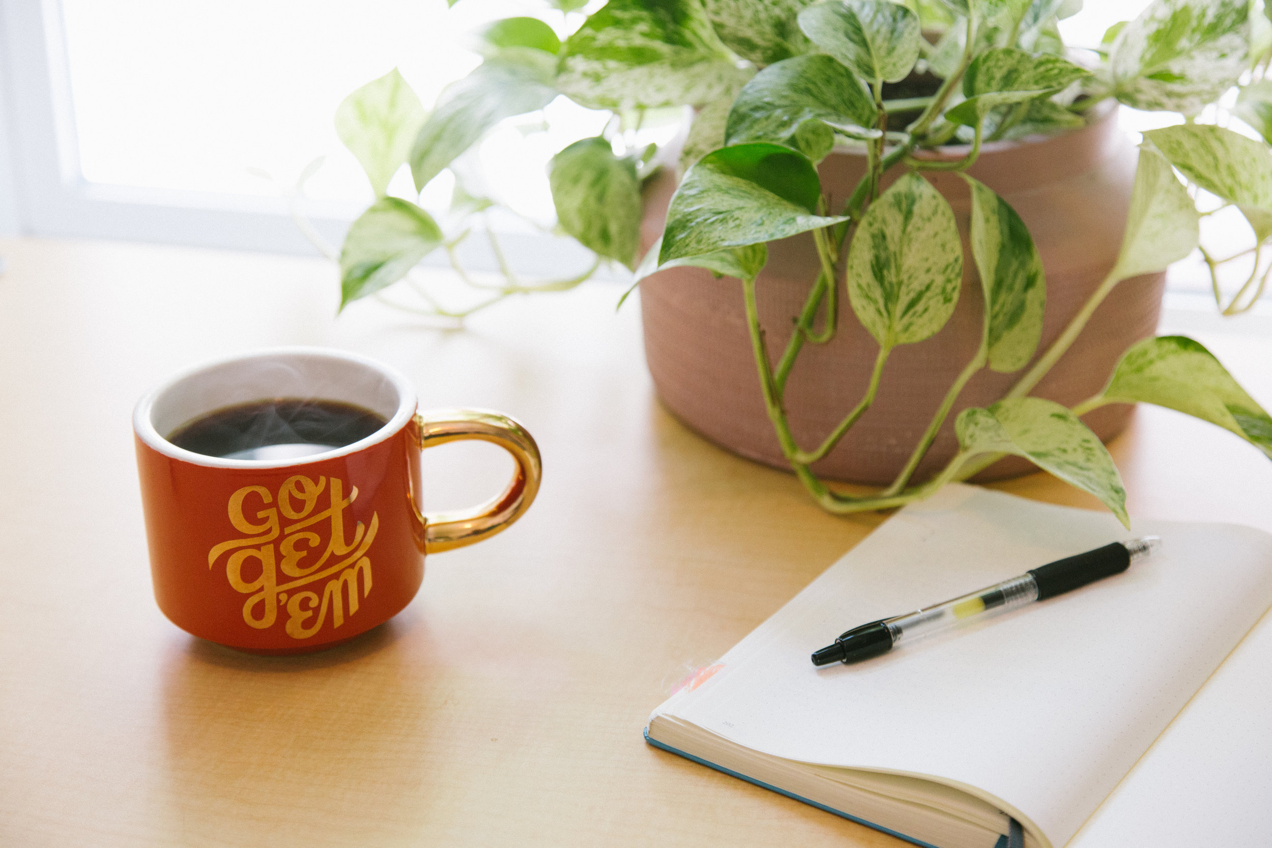 How to Work a Day Job and a Side Hustle