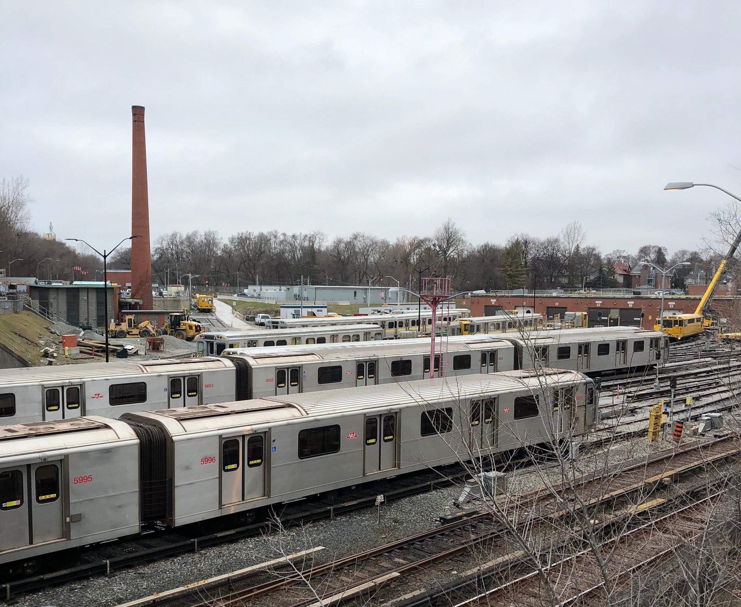 Subway cars in Davisville yard, looking north, December 27, 2018 Photographer: Davisville Post